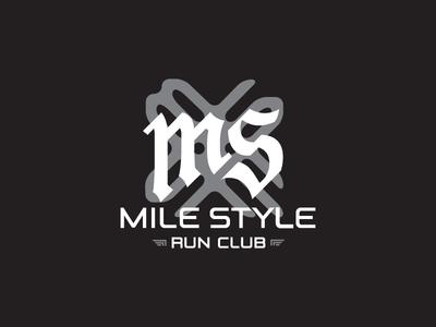 字母变形的logo设计3